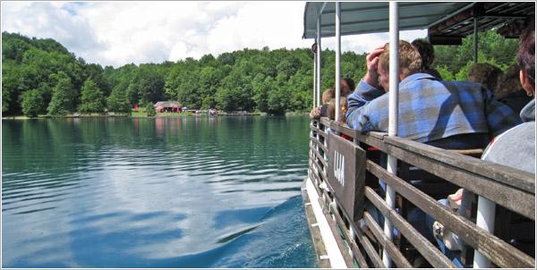 Barco, lagos de Plitvice, Croacia