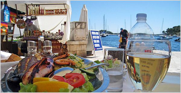Comiendo en Hvar, Croacia