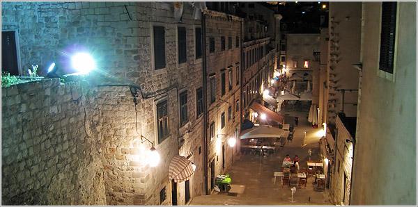 Dubrovnik de noche, Croacia